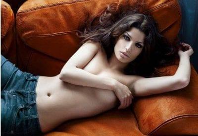 Tonia Sotiropoulou oben ohne