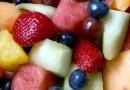 Rezept Tipp: Obstsalat mit Mascarpone ersetzt die Mittagsmahlzeit