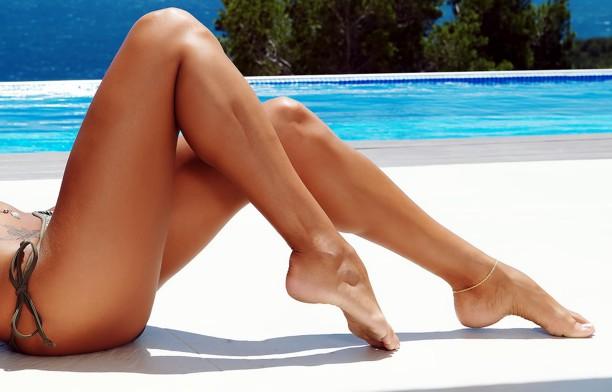 Gribok auf der Haut der Beine die Abschuppung