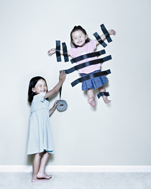 kinder, foto, skurill, lustig, fliegen