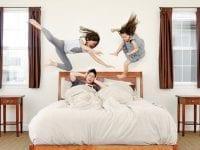 Kristin and Kayla: Kinderfotos der etwas anderen Art