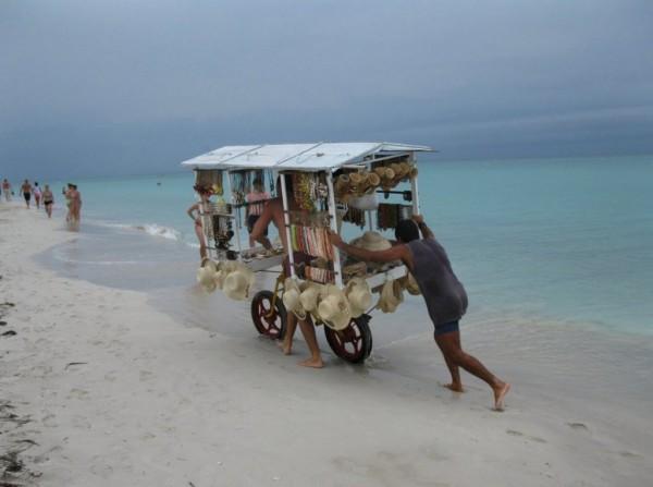 Strandverkäufer auf Kuba