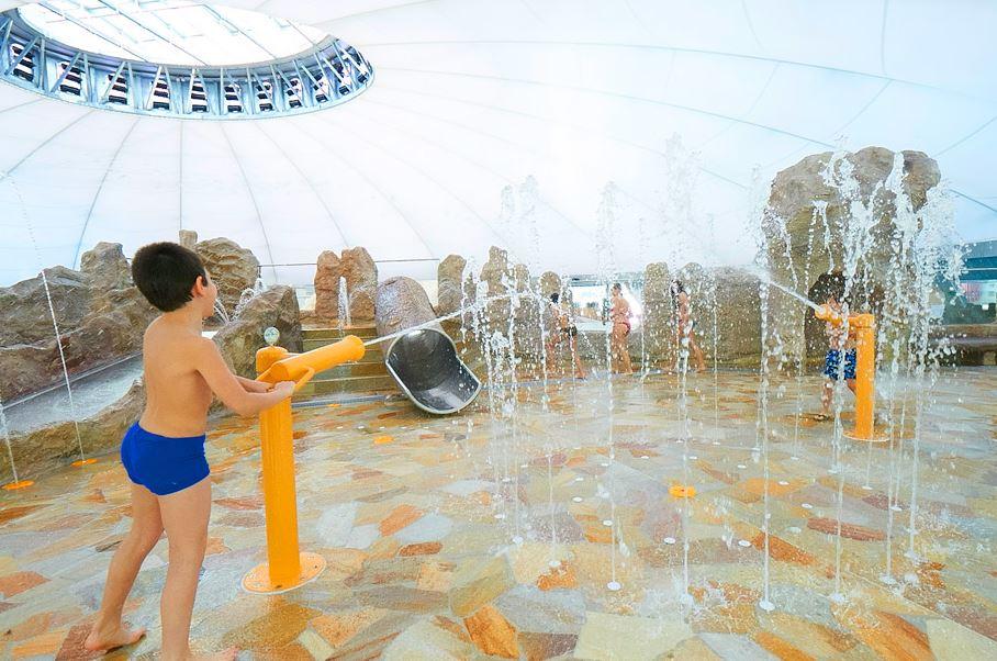 Schwimmbad mit salzwasser schwimmbad mit salzwasser obr for Designhotel mit kindern