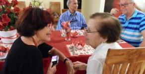 Pflege von Demenz und Alzheimer Patienten Zuhause in der Schweiz und im Ausland