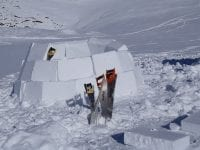 Übernachtung im selbstgebauten Iglu - mehr Winter geht nicht!