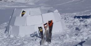 Übernachtung im selbstgebauten Iglu – mehr Winter geht nicht!