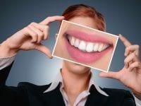 Zahnstein selbst entfernen: Die besten Tipps