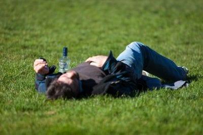 Die 9 besten Tipps gegen Kater - Hangover vorbeugen und bekämpfen