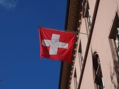 Gründung einer Firma in der Schweiz ist auch für Ausländer ohne Wohnsitz möglich - Dank Treuhand-Service